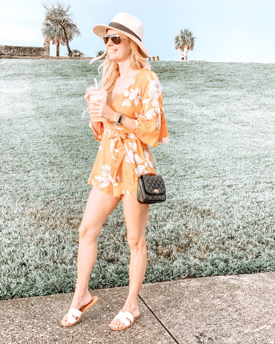Sunset Kinda Love. ☀️ . . . #romper #yellow #sunshine #summerstyle  #authorsofinstagram #christinabenjamin #outfitoftheday #lookoftheday #fasionblogger #whatiwore #wiw #instastyle #instafashion #fashionista #styleinspiration #outfitinspiration #casualstyle #ootd #outfitideas https://t.co/dheOwUnifd