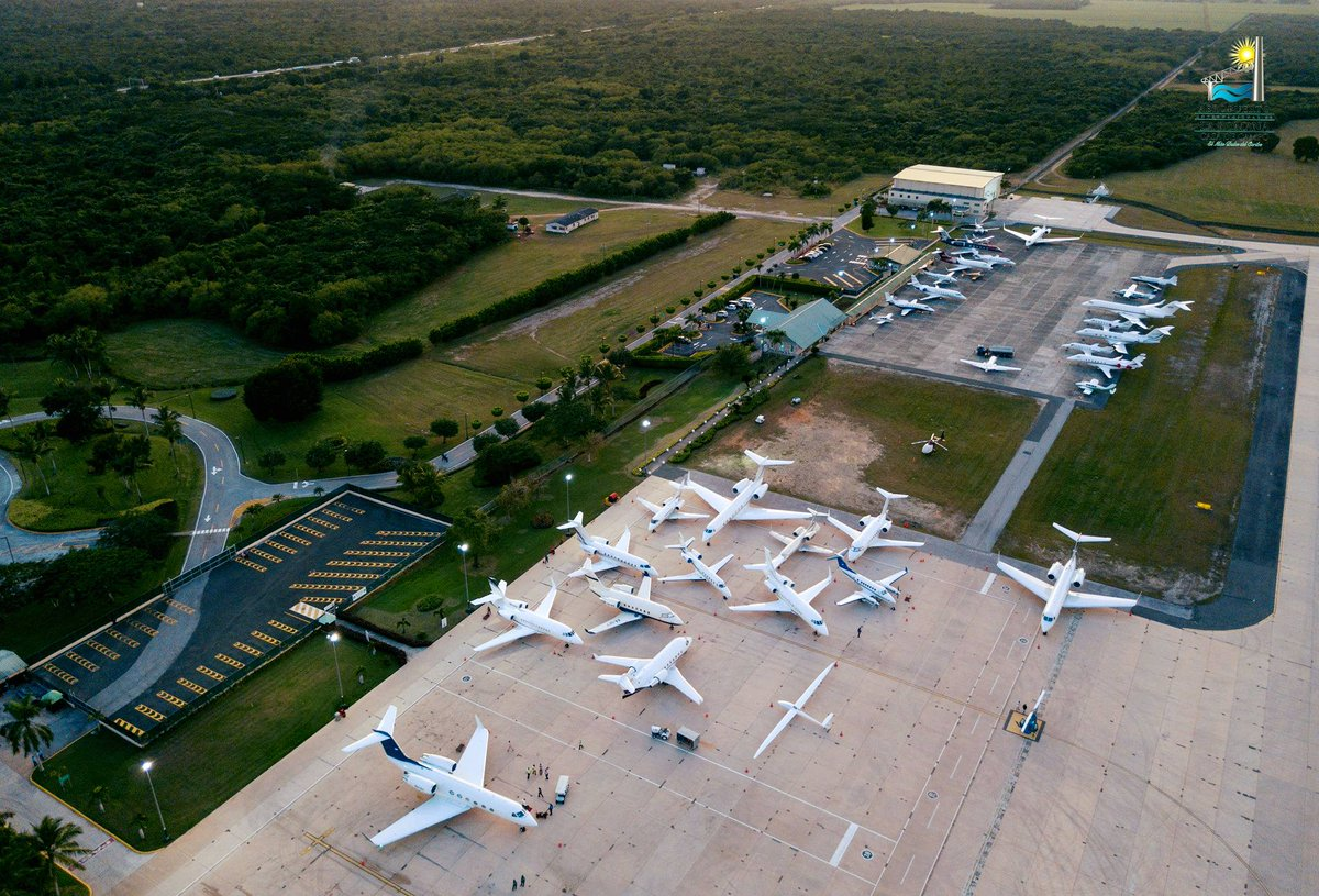 What a great Monday! #LaRomanaAirport wish you all a great week, full of memorable experiences! #flytolaromana #airport #aviation #flight #caribbean #vacation #travel #hotel #myDR #GoDomRep #memories #besafe #newweek #monday https://t.co/MjiCLQLniq