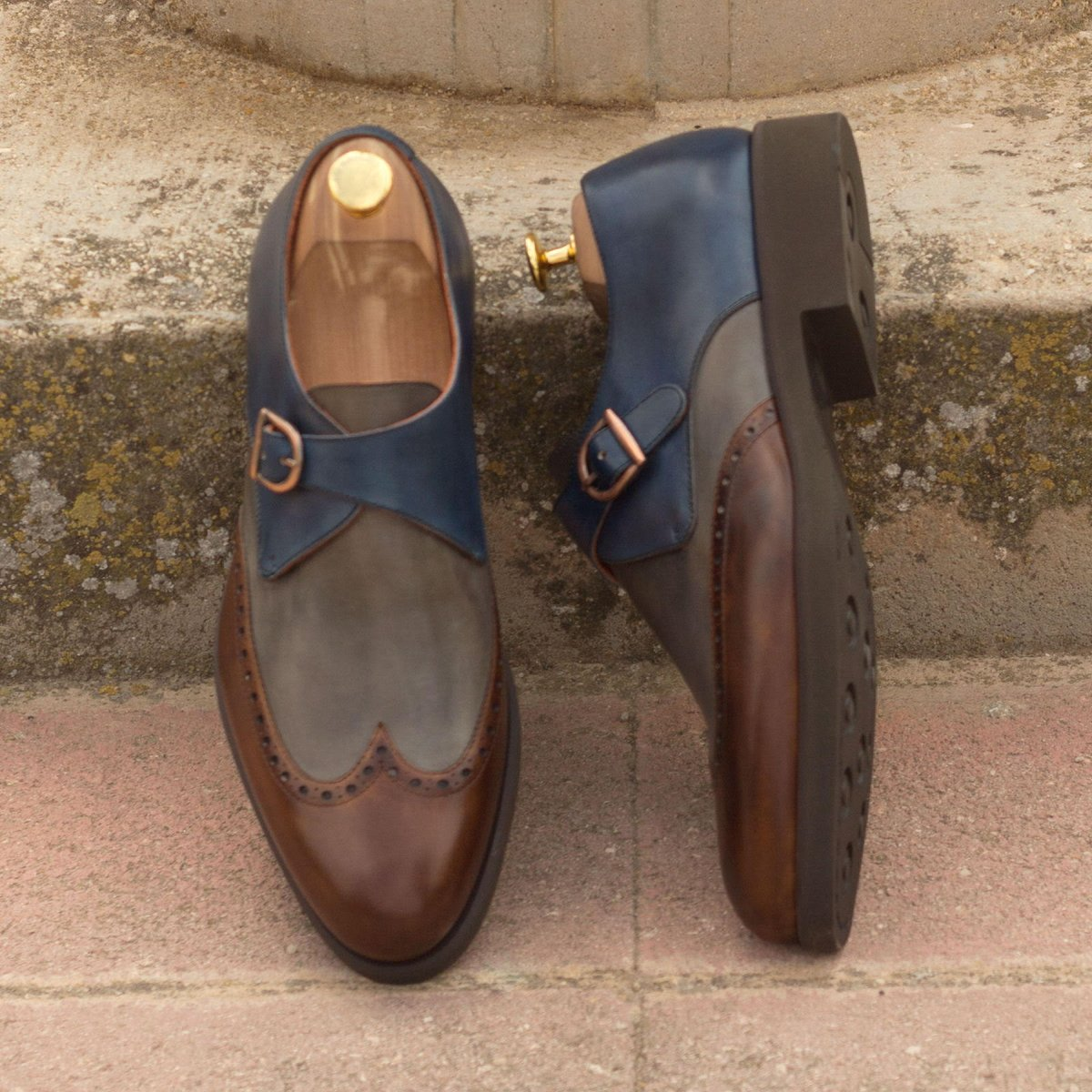 Custom shoes for any occasion.   #moderncasual #customshoes #menswear #fallfashion #fall #custom #design #business #casual #businesscasual https://t.co/BYRlbReL1N