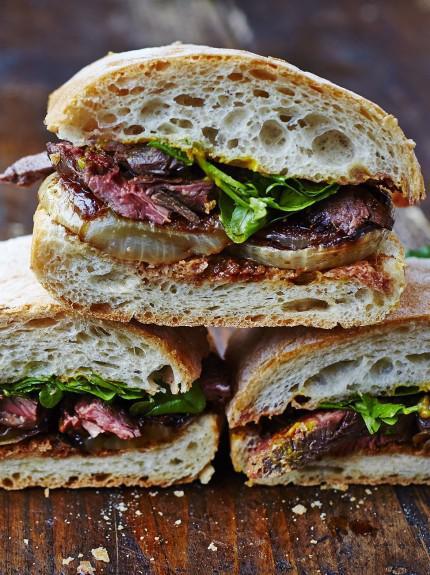 Next-level steak & onion sandwich #beef #fathersday #stgeorgesday #british #seasonal #recipe https://t.co/DJA4XkCAPB https://t.co/Grpkeilx8i