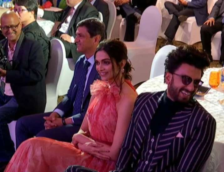Father -- A world Champion  Daughter - A druggist Son-in-law -- A joker (and a druggie)   ** Tale of high end societies **  @deepikapadukone #prakashpadukone #RanveerSingh