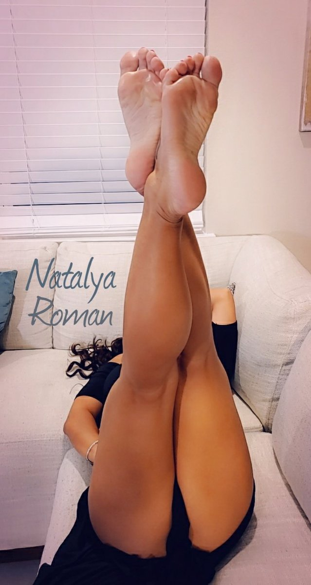 He had blue balls all week and since I'm still to sore to play. I just laid back and let him make a mess on my feet. I didnt even try to ruin it. Wasn't that nice of me? I think he forgot that cumming by my feet doesn't always hurt.  #footjob #Feet #feetqueen #feetworship https://t.co/GsIzD4xNM0