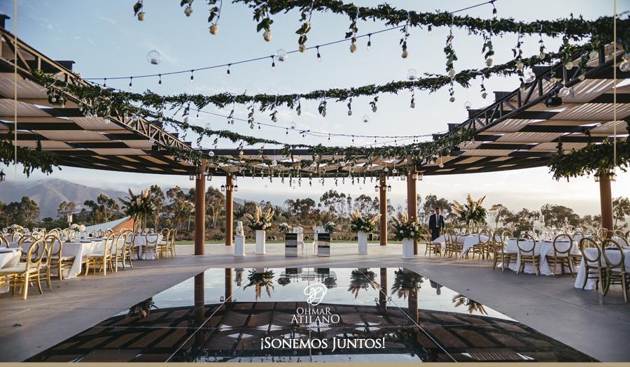Uno de las hermosas bodas que hemos tenido la fortuna de realizar entre viñedos de #ValledeGuadalupe #ensenada #soñemosjuntos https://t.co/aiUa439ydN