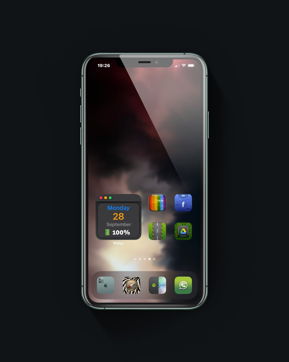 Tonight Dress Up ! with #clearspaces + #iconthemer + #widgy you can now do interesting things on #ios14homescreen 😉😎 . 🕹️Icons @MtK__Design & @Attairdu57slm . . #homescreen #wallpaper #free #wall #design #kustom #iconpack #iPhone11ProMax #iOS14 #LockScreen #NoJailbreak https://t.co/LgbquBgAzM
