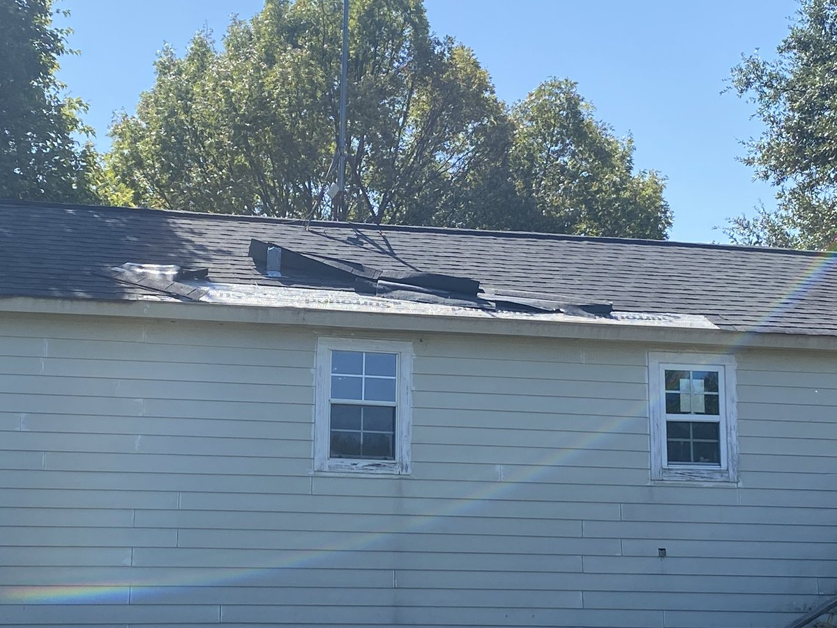 Wind 1 roof 0 guess its time to call the insurance company