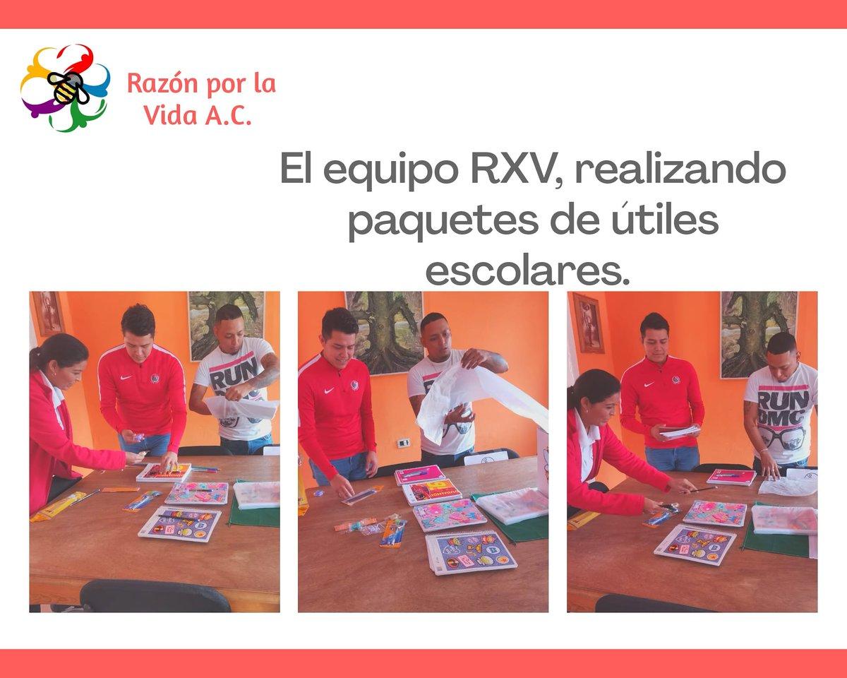 ✨El #EQUIPORXV trabajando y realizando paquetes escolares.✨ 📒🖍️📝  #RXVSLP #SLP https://t.co/iXXaxySPqg