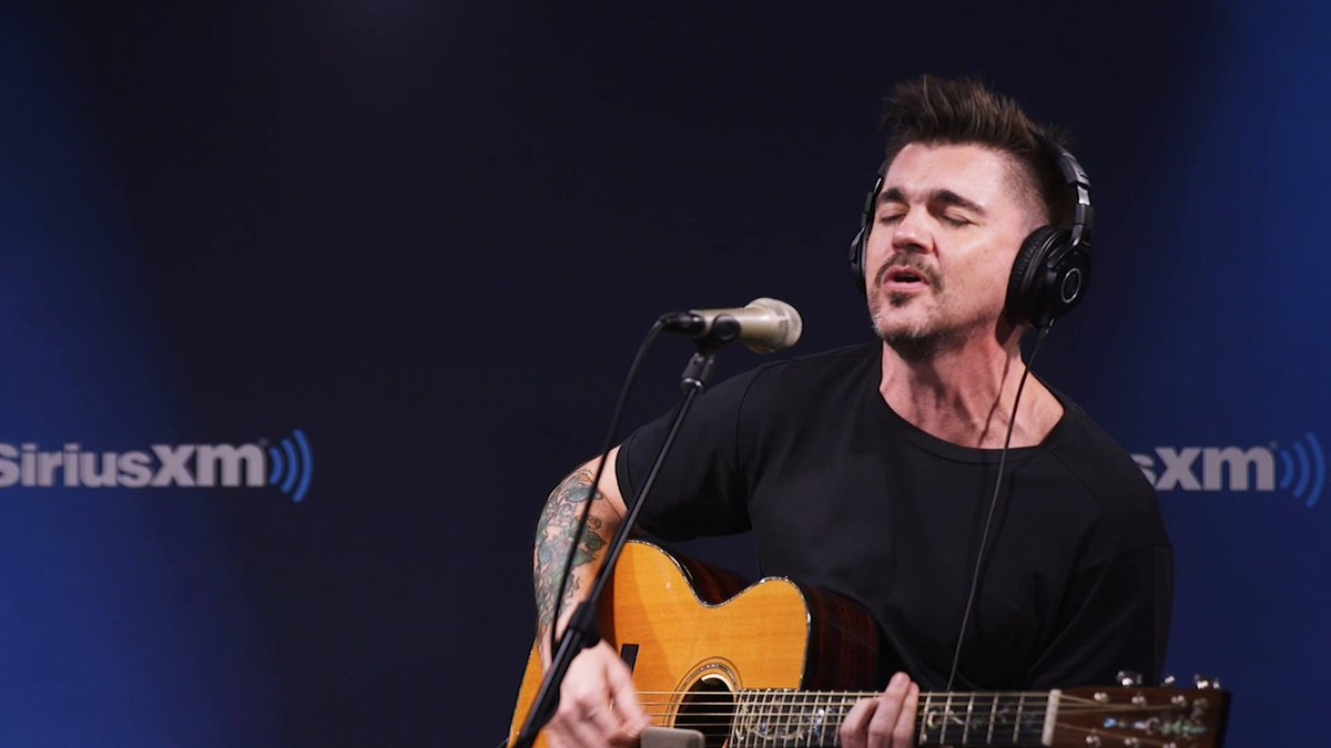 Very rarely Spanish language songs go to no.🥇in Germany! In 2005 Juanes from Colombia 🇨🇴did it, and topped the 🇩🇪charts with🎶La Camisa Negra🎶which became one of THE summer hits that year! ☀️😎 🏖🥇🇩🇪 #Juanes  #LaCamisaNegra