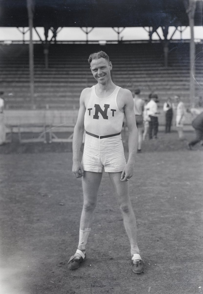 We think @NUTrackandField should really consider bringing back these uniforms! (but maybe not the shoes..)  (Hobb Turner, stadium, 1920s)  #UNL #LNK #Huskers #trackandfield https://t.co/gn5gQxO41W
