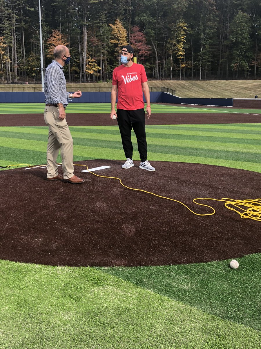 Our former All-American and @RedSox pitcher Matt Barnes stopped by to check out Elliot Ballpark and the bullpen that will be named after him! #UConnBred https://t.co/5g0cPuRmCE