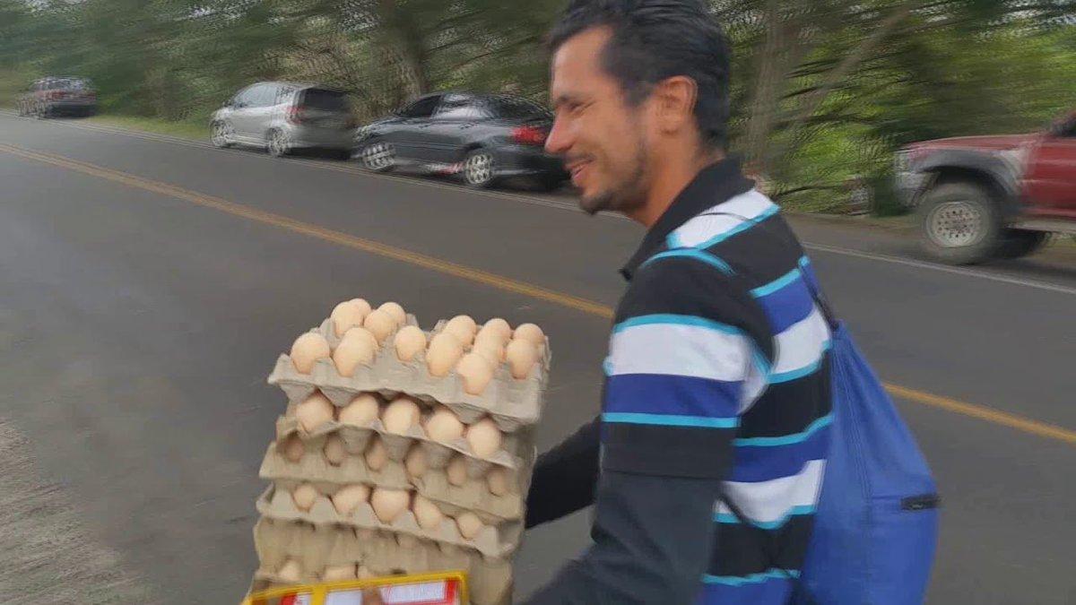 Ya me vi, haciendo negocio en los mítines de Fernández Noroña. #SoyEmprendedor https://t.co/F0BAhKmfCc
