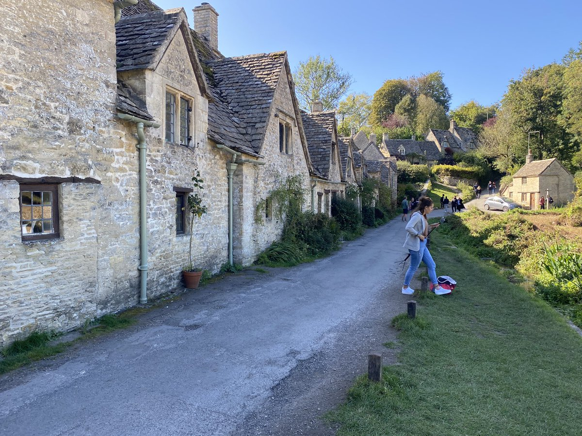 Spent the weekend camping in the Cotswolds and I wish we could give the kids at school these kinds of opportunities. I know some of them will do these things, but some have never even left their own town. #CountrySide #Cotswolds #spacetobreathe #beauty https://t.co/Fgq4R7m3yT