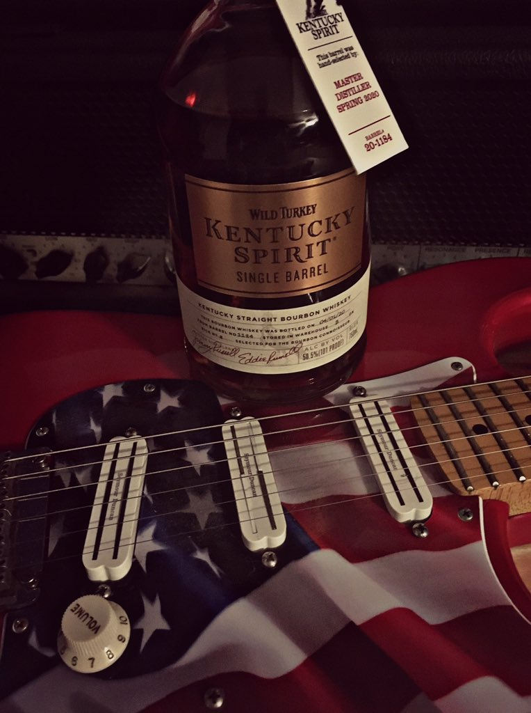 It was declared a spirit native of #America in 1964. #Kentucky had it figured out way before that.. #Bourbon.. #SpiritOfAmerica #KentuckySpirit @WildTurkey #KentuckyBourbon #BourbonWhiskey #Whiskey #Cheers 🥃🦃💪 https://t.co/gnZgBo0izA