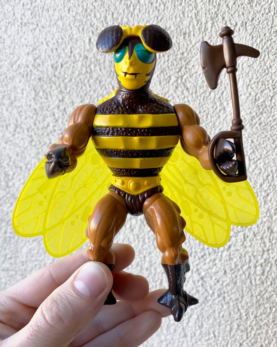 Masters Of The Universe Buzz-Off Action Figure (1984) #collectxdestroy #collector #collection #toys #toycollector #toycommunity #actionfigures #film #comics #vintage #vintagetoys #80s #tmnt #motu #starwars #transformers #heavymetal #wwe #aew #funko #gijoe #mastersoftheuniverse https://t.co/NGoFUjfX6F