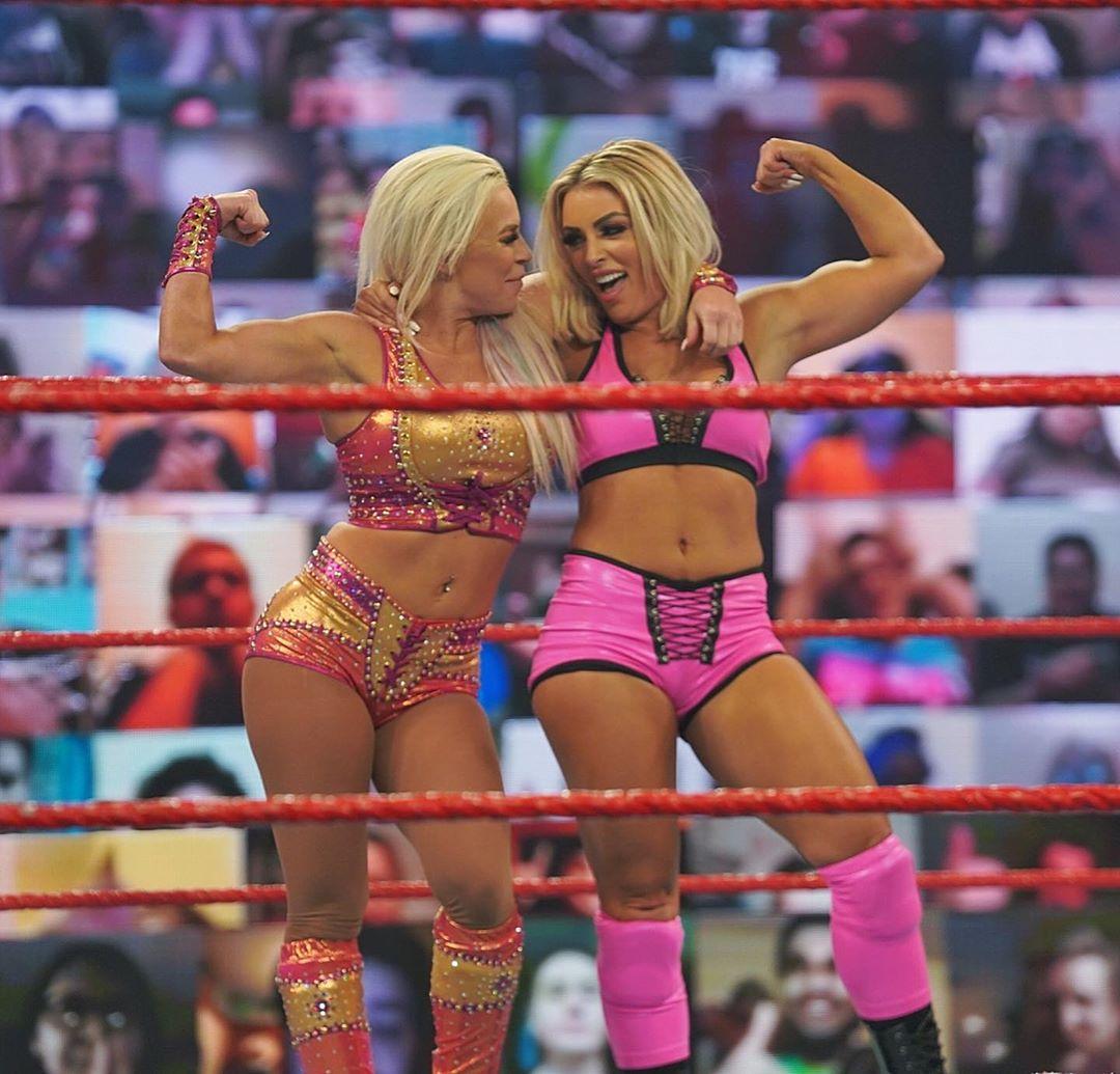 Via @WWE instagram @DanaBrookeWWE and @WWE_MandyRose #FlexAppeal or #FlexSexyAppeal https://t.co/PNTapvSG75