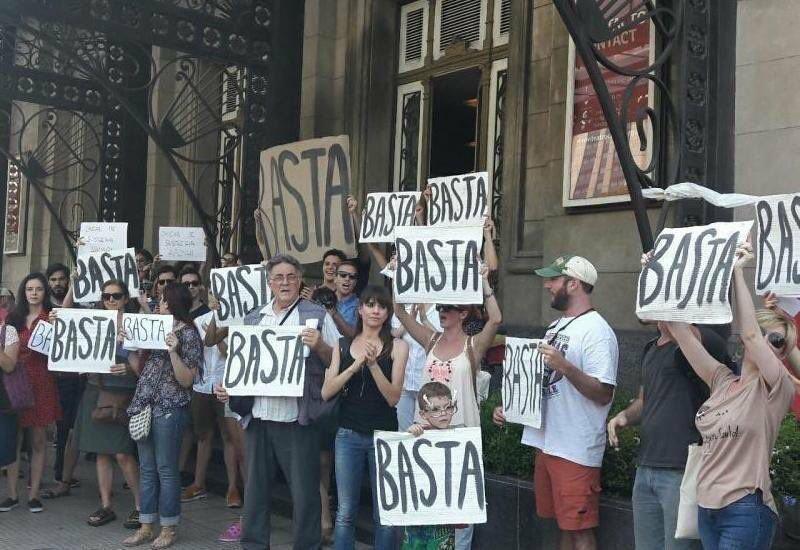 @macabeso #basta de alterarnos e irte https://t.co/SoXRbpizE8