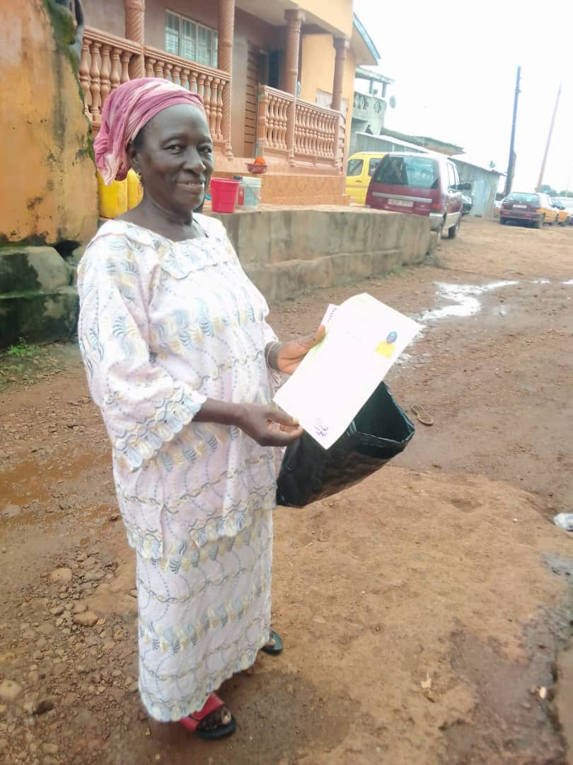 Sierra Leone oldest female candidate to attempt the National Primary School Examination (NPSE) emerged successfully with aggregate 297.  62-year-old Margret Yegbeh Koroma will start her Secondary School education in the 2020/2021 academic year.  #SierraLeone https://t.co/Vtuld5zG7R