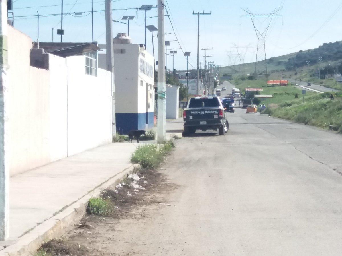 un llamado al SR #LEmus q esta haciendo en dias  lo que #FErnando #perez no pudo en 4 años.. favor de verificar por q las #patrullas hacen base en #napateco.. me ha tocado ir en #jueves #sabado y #miercoles la que mas se ha quedado ahi 1 hora y media... #Tulancingo debe #Avanzar https://t.co/8WWnE2m8oL
