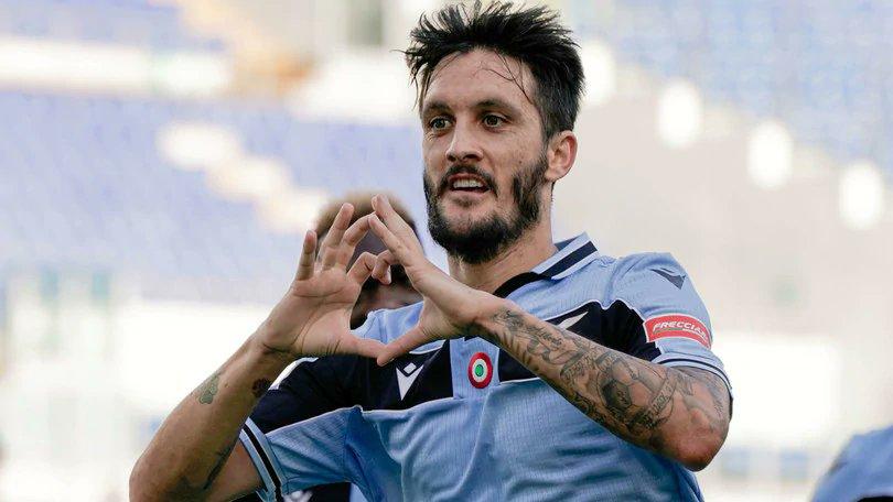"""OFICIAL!  Segundo o #Tuttosport, #LuisAlberto renova com a #Lazio até 30 de Julho de 2025. Ele comentou em seu Twitter: """"Hoje é um dia verdadeiramente mágico é o dia do Mágico ..."""". https://t.co/OB1yYH5gBi"""