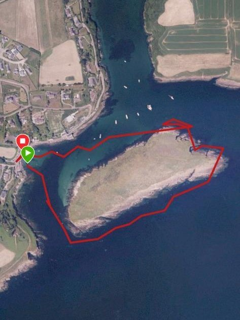 Personal goal completed today! I swam the mile around Sandycove Island #Kinsale with a few of my neighbors leading the way! Took me an hour 😅 #openwater #swimming https://t.co/oYrnWtYb5Y