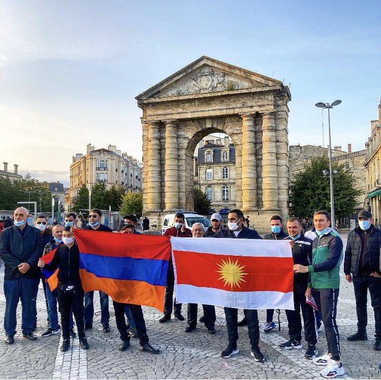 Faire des rencontres avec Sirely le site de rencontre pour tous les Arméniens(nnes)