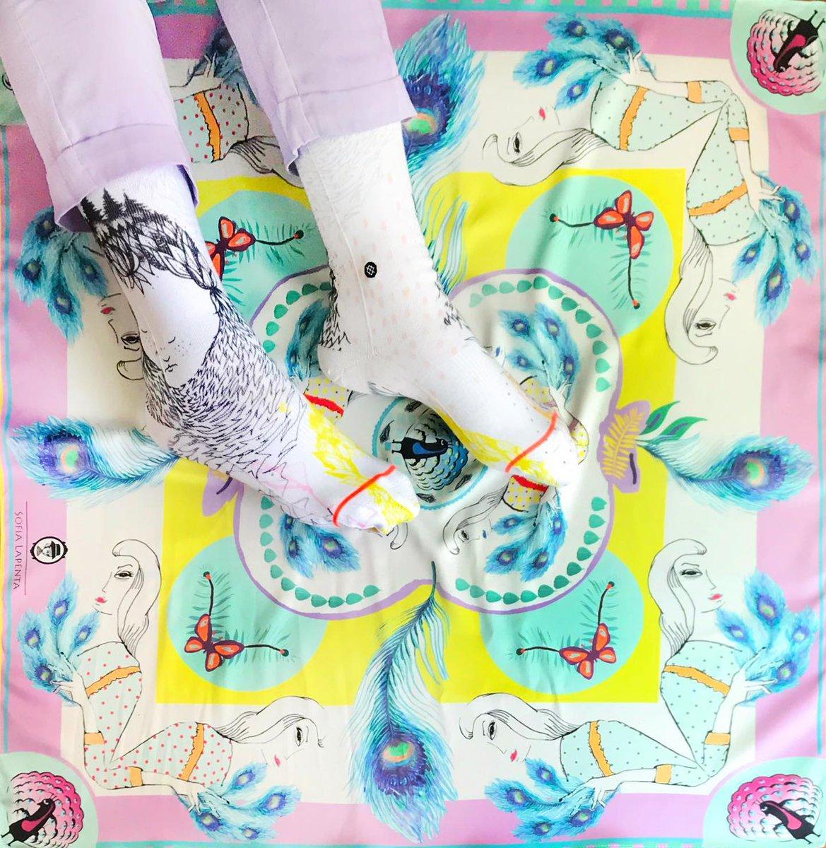 Más power que este pañuelo Plumas Amarillo? Les gustan estos colores???  . . . . . . . . . . stancesocks stancemuse  #sofialapenta #estampasparalupa #animallover #catlover #fashion #fashiondesign #drawing  #surrealism #arte #sketchbook  #work #artwork #studio #frenchstyle # https://t.co/U7ASpJPrNt