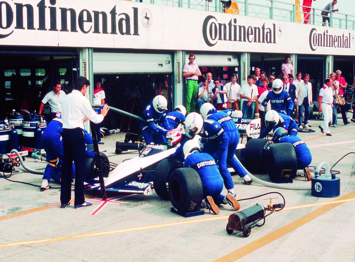 [HILO]  La anatomía de una parada en pits en 1982 por el equipo Brabham de #F1 https://t.co/x7Ag8kILE4