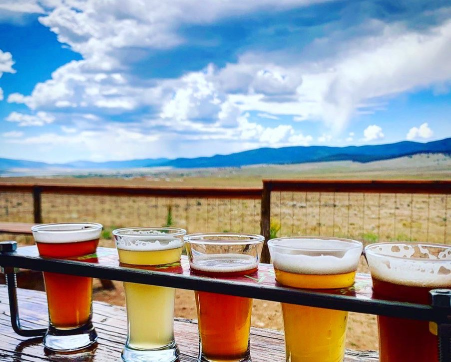 Today's #NationalDrinkBeerDay. Of course, we think this should be EVERY day. May we suggest celebrating this important moment w/a fresh, #NMCraftBeer? Hit up your local brewery or fave #craftbeer shop!🍻 📷:Comanche Creek Brewery near Eagle Nest, NM https://t.co/ARAtQvasO2