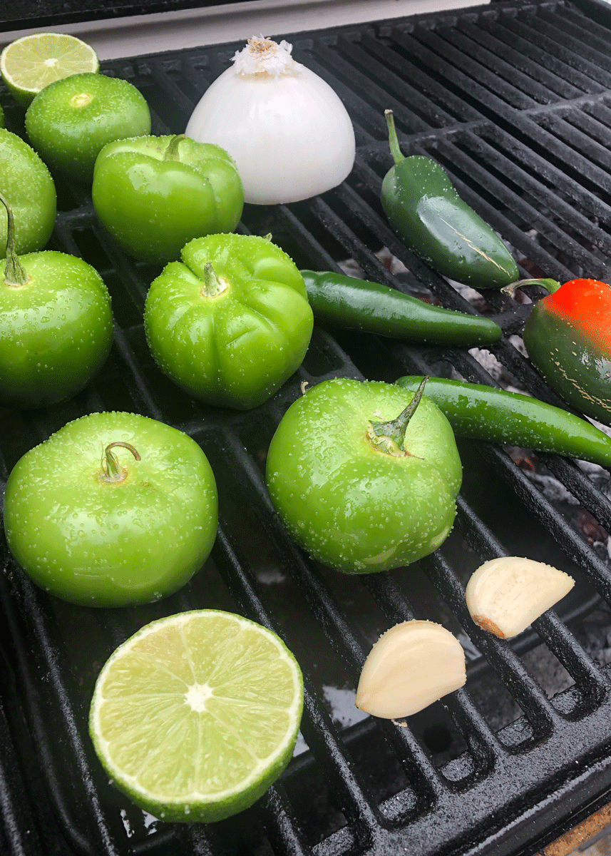 Looking for a way to elevate your salsa game? Smoke your vegetables for 90 minutes on the  Flavor Pro™ to add some delicious smoky flavor. How do you like your salsa? Chunky? Smooth? Spicy? Let us know! #chargriller #salsa https://t.co/pJFQIi890t