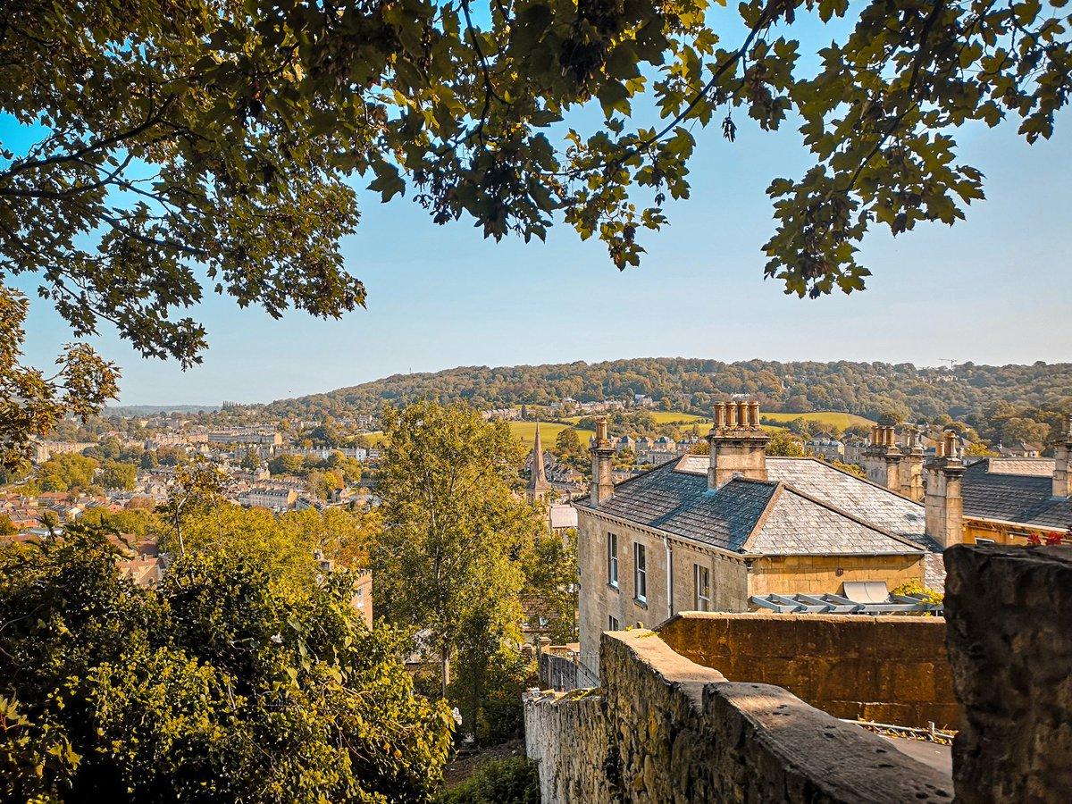 """Beautiful views over Bath. It was taken from halfway up Jacob's ladder while heading towards Alexandra Park."" - Stacks Bath  #beautifulbath #bathviews #viewsoverbath #prettybath #bathcity #alexandrapark #jacobsladder #bathlife #sunsetlight #dusklight#autumnalcolours https://t.co/L6dCqhLQhV"