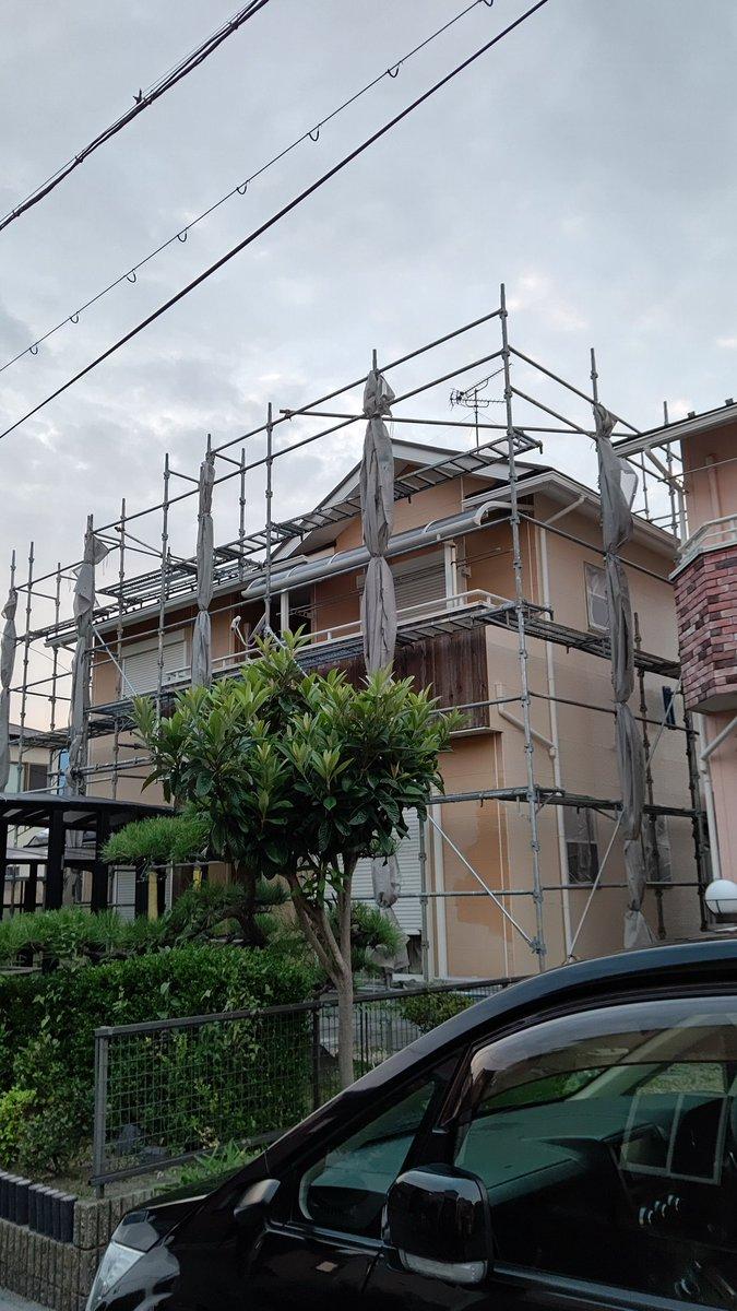 本日は海津市で遺品整理が終了いましました。亡くなられた方とは去年8月に近くのご兄弟の遺品整理を依頼されたばかりの事で残された息子様も立て続けにと、、、遺言に自宅のメンテナンスをさくらさんにと息子様からお願いされ、遺品整理、屋根、外壁塗装等作業させて頂きました。