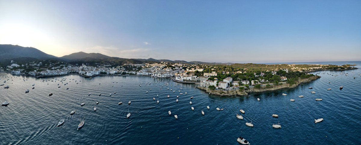 Our office today! Beautiful #Cadaques in #COSTABRAVA, #Spain - #scubadiving https://t.co/IEya8tfnge
