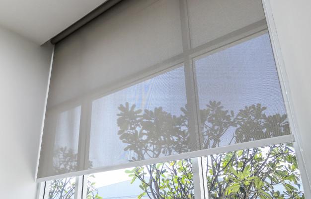 🤔 ¿Estas pensando en poner estores en tu casa? Los #estores o #persianas horizontales están fabricadas en un tejido plástico o PVC y formados por lamas.   ✅ Fácil y cómodos para todas tus ventanas. https://t.co/iSgKsY5cju