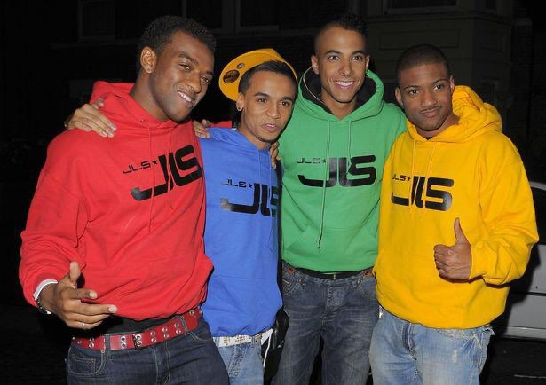 🙌 Nothing says @JLSOfficial are back than coloured jumpers!  What's your colour?👀  ❤️💙💚💛 https://t.co/awexJuoeAc