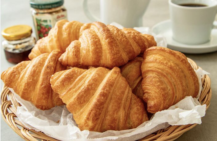 食べるその時が焼きたて」の冷凍パン「Pan&」は、ホテルで食べるようなパンをご家庭で味わえるのでおススメです!  詳細は⇒https://t.co/Bm3LSRJ9HD  スイーツパンの他にクロワッサンなども絶品です! https://t.co/pLhJfoGlwa