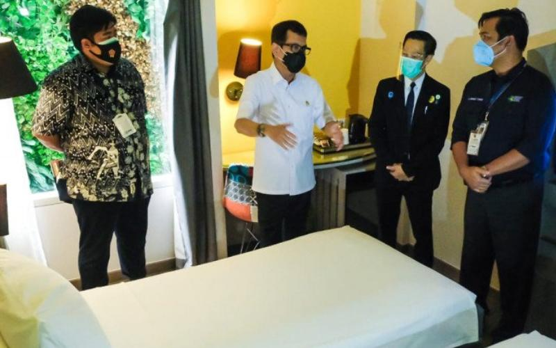 Dua Hotel di Jakarta Memfasilitasi Isolasi Mandiri Pasien Tanpa Gejala https://t.co/wZm36N1oAj  #AgenPoker, #AgenDomino https://t.co/eYa3IA23QZ