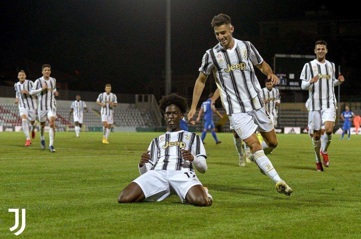 🅰️ Assist per il pareggio ⚽ Splendido gol per la vittoria  Che debutto per Felix #Correia ⚪⚫   #Under23 #ForzaJuve https://t.co/23RnkjqoCp