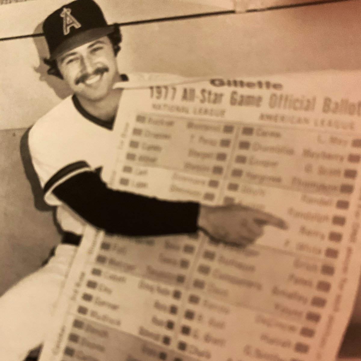 Despite my campaigning in this 1977 publicity shot for the  Angels, I didn't quite get enough votes to make the All-Star team that year, but I was chosen in 1978 in my first year with the Red Sox.  https://t.co/pCyLzJt0uu https://t.co/YdDo7TBRru