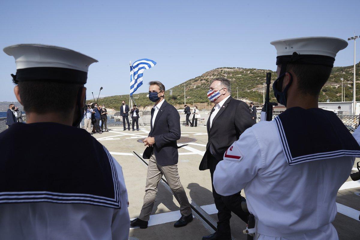 Υποδεχόμαστε τον @SecPompeo στην Κρήτη. Οι σχέσεις Ελλάδας - ΗΠΑ δεν υπήρξαν ποτέ τόσο στενές όσο σήμερα. Και η Σούδα αναδεικνύεται ως το πιο στρατηγικό σημείο της ευρύτερης περιοχής. Εδώ συναντώνται τα συμφέροντα των χωρών μας, μαζί με εκείνα της ασφάλειας και της ειρήνης. https://t.co/NRlCNtjEI2
