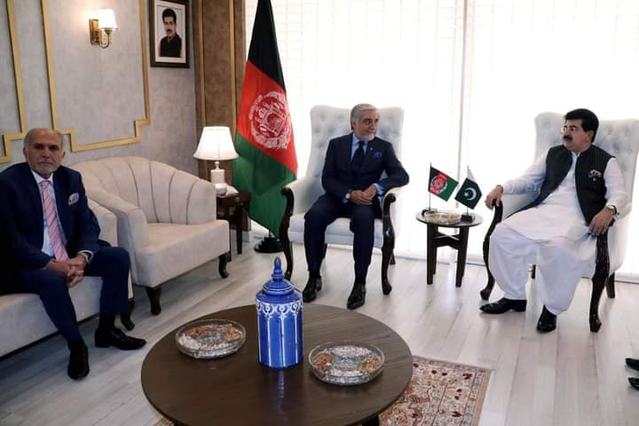 Abdullah Abdullah, head of the reconciliation council, met with Pakistan's Senate Speaker Sadiq Sanjrani and discussed Afghanistan-Pakistan trade and transit ties, the peace process and other current topics, Abdullah's office said in a statement. https://t.co/UUlyw9LoBH