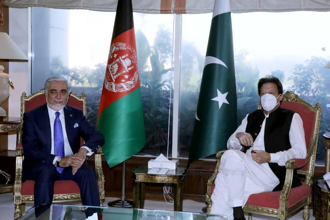 عبدالله عبدالله، رییس شورای عالی مصالحه ملی در دومین روز سفرش به پاکستان، با عمران خان، نخستوزیر این کشور دیدار کرد. https://t.co/40BaZ1rAWh