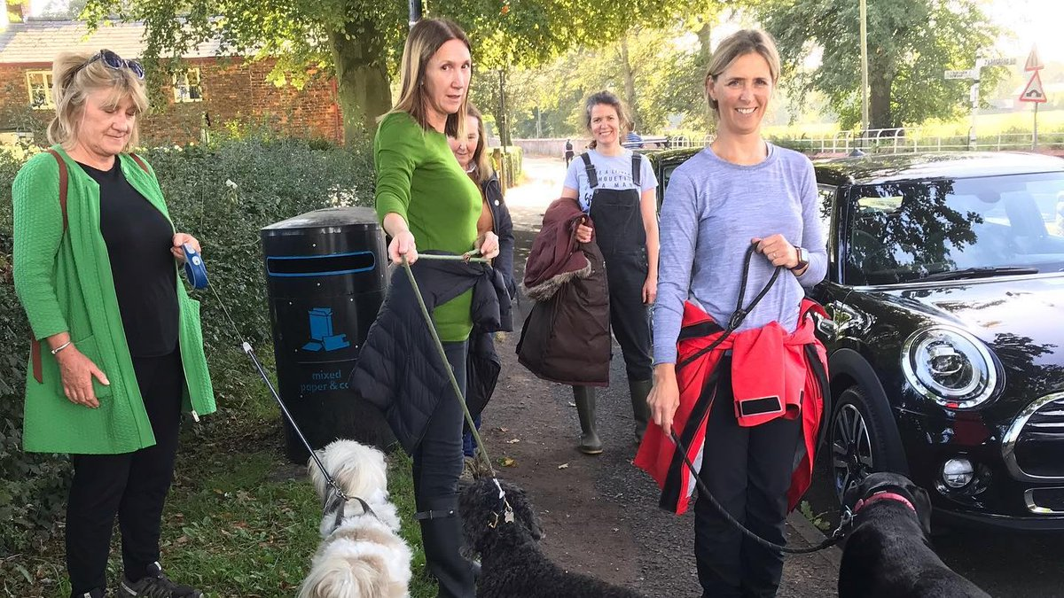 Women too support their mental health & this ladies yoga group is no exception, enjoying a sociable sunny September dog walk #dailywalk #onyourdoorstep #friendship #mentalhealth @doorstepmcr  — in Dunham Massey. https://t.co/GmF1WexGmm