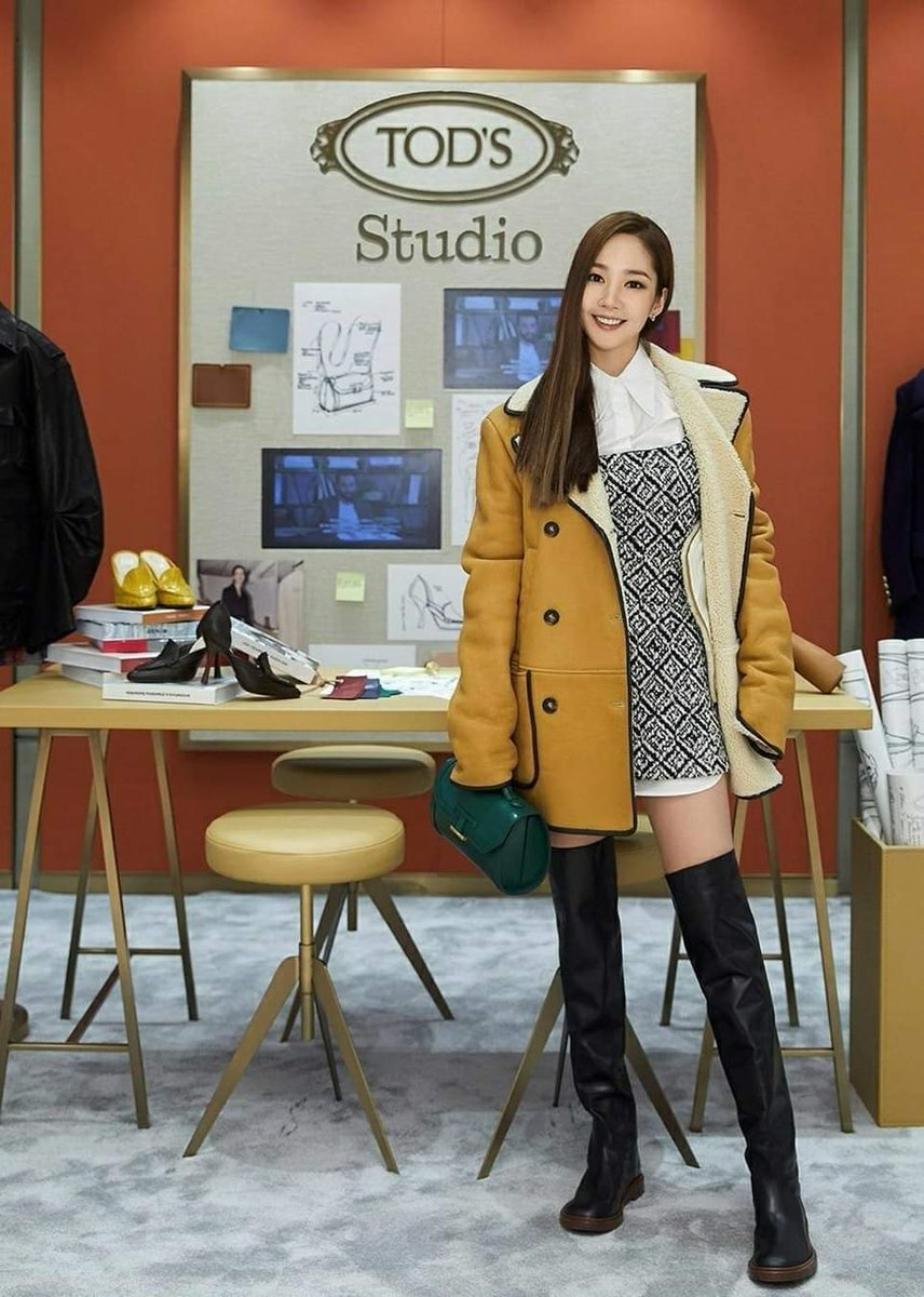 [FOTOS] Cosmopolitan Korea postou algumas fotos da Minyoung no Tod's Studio❤  #PARKMINYOUNG #박민영 #MINYOUNG #민영 https://t.co/j6568hRa7G https://t.co/F25UsCHNga
