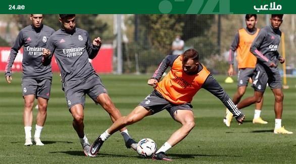 غياب #كروس وميليتاو وماريانو عن التدريب الأخير لريال مدريد  #HalaMadrid  #RMFans  #RMHistory  #RealFootball https://t.co/v1Xcge3sau https://t.co/yQjyrjcPST