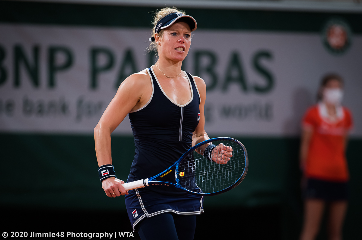 That was some classic Laura grit! @laurasiegemund beats Kristina Mladenovic to make the second round at #RG20 https://t.co/a1pzf3XIka