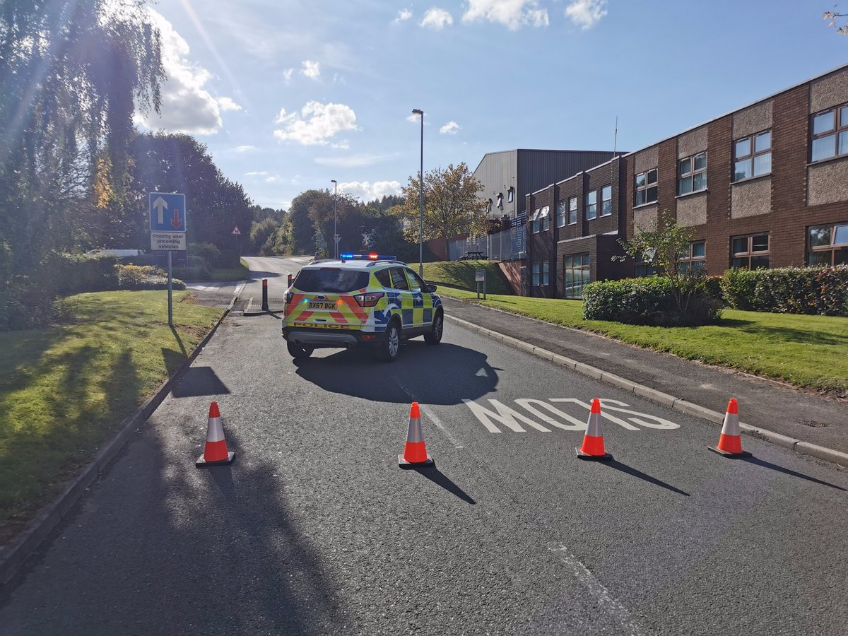 RUGELEY: Colliery road is currently closed between the junctions of The Levels and Stile Cop Road following an RTC. Please avoid the area whilst we are dealing.  Thank you for your patience and cooperation.  🌲🚧🚔🚧,🌲 https://t.co/sVBrMUB4aM
