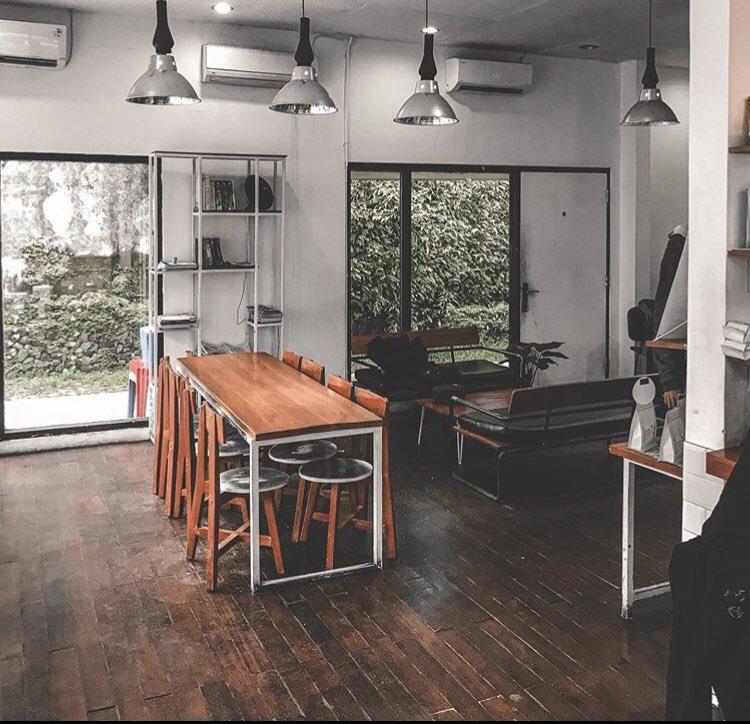 Nongkrong Di Cafe Hits Jogja
