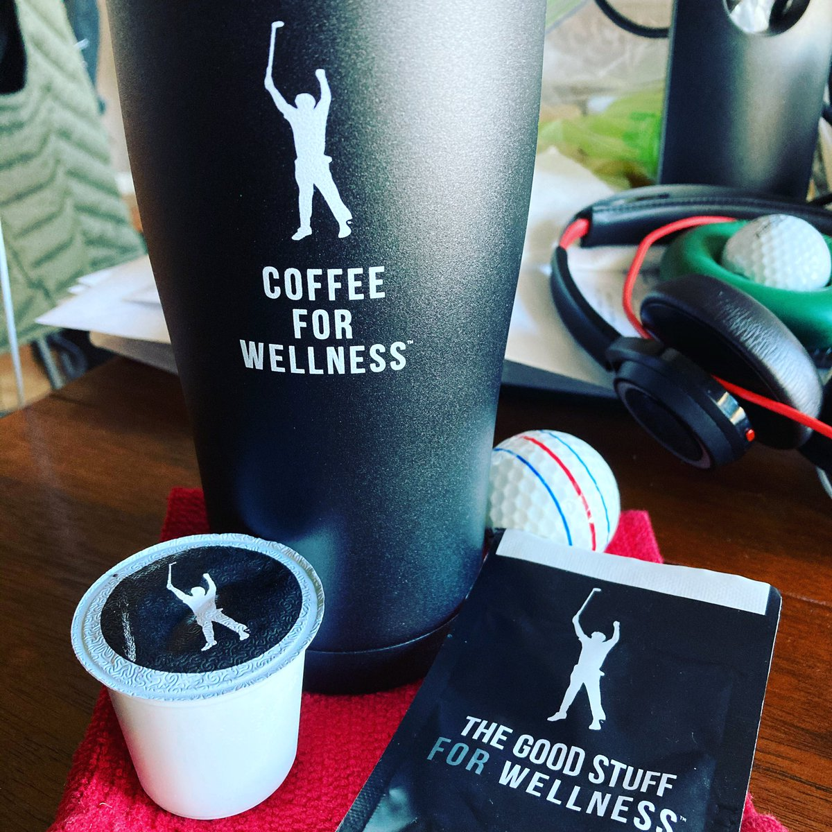 @ForWellness wow this is good!  Two big thumbs up!  Great tasting and smooth!  Thanks for getting this out @PhilMickelson