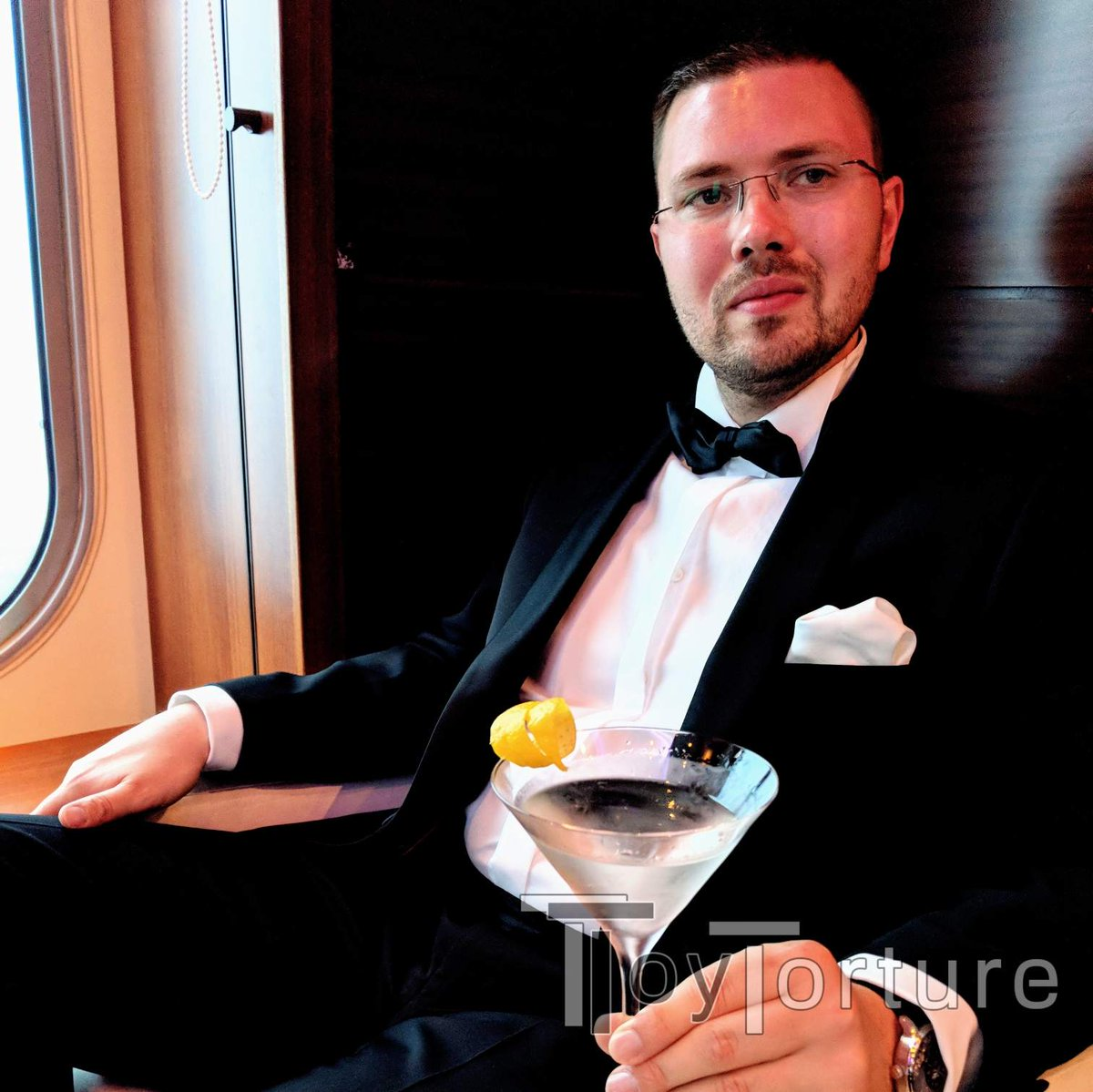 test Twitter Media - Boat vacation 2020 vs 2018 Today: Pastis with water in @MrSLeather x @Mister_B_Ams leather with @looked3 at MS1 RuhePol Lounge Then: Martini in new wool with @KometMuc at QM2 Commodore Club https://t.co/NLZcirtDeo