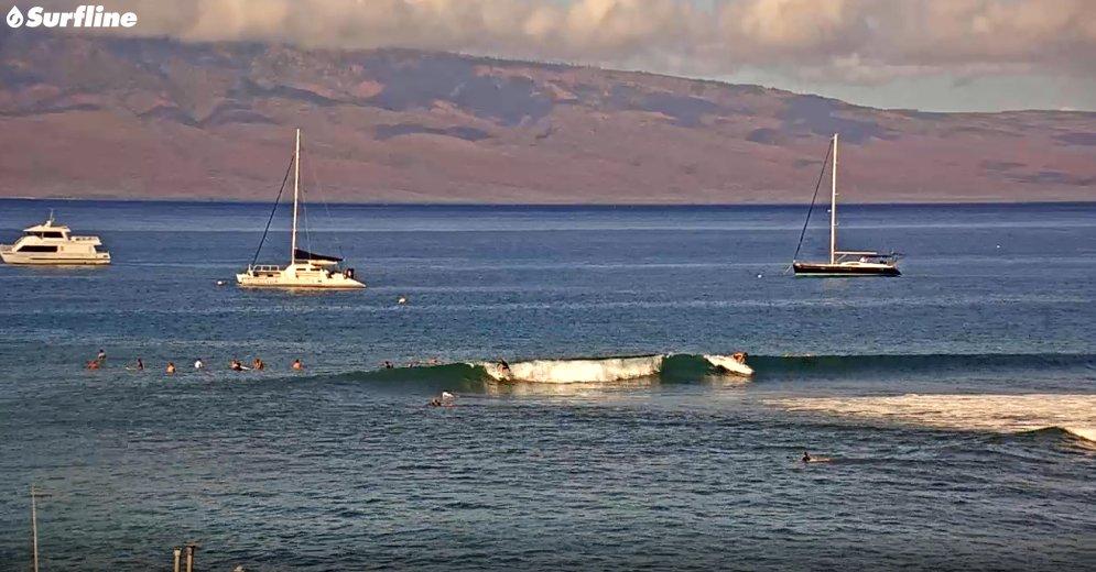 LAHAINA HARBOR, WEST MAUI • TUESDAY, SEPTEMBER 29TH ~ Live WebCam: https://t.co/WOAncAbyWW  https://t.co/5wRlUwRgRf #lahaina #lahainasurf #windsurfing #kiting #surf #standuppaddleboarding #kitesurfing #surfing #hydrofoiling #sup #hydrofoilsurfing #maui #lahainaharbor #hawaii https://t.co/OjRVBsHJkX