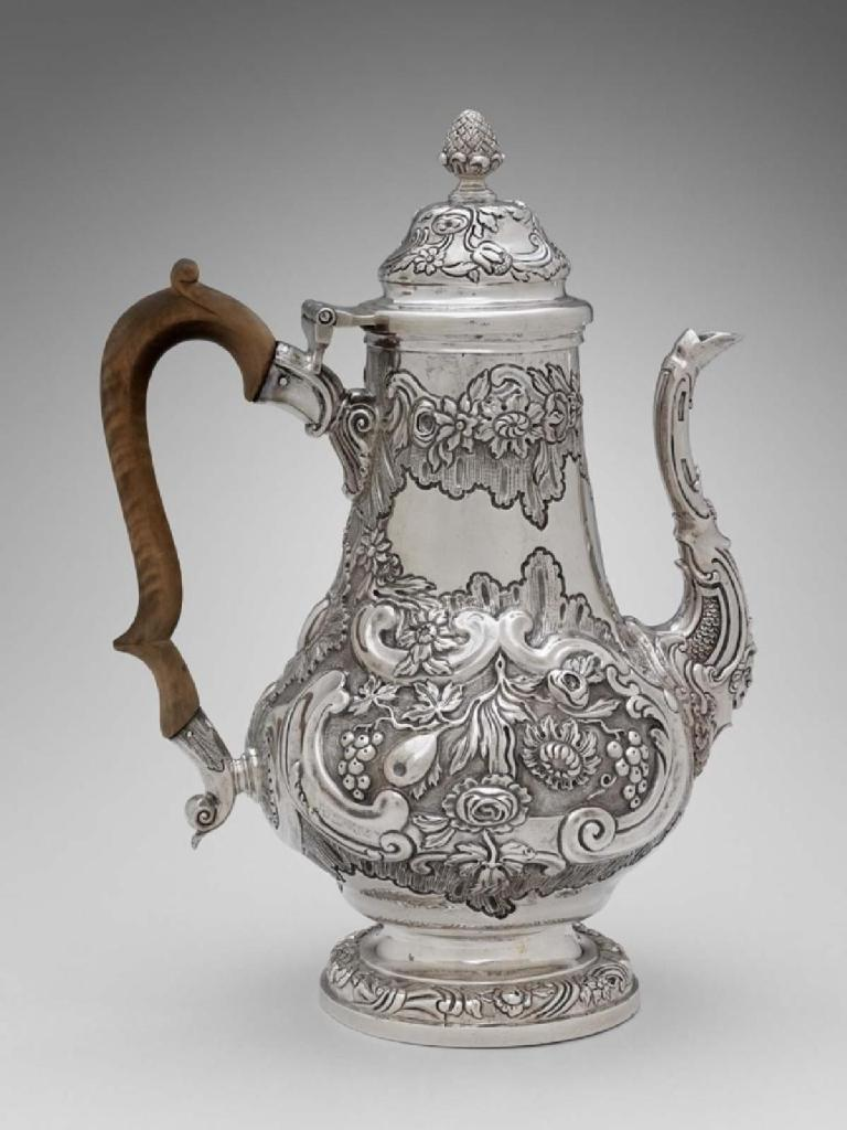 Need a pick-me-up on #NationalCoffeeDay? Book your tickets to see this silver coffee pot (cafetera, about 1770) from Guatemala in our reopened Art of the Americas Wing ☕   🎟️ Timed-entry tickets are required: https://t.co/DUJ03TCJqy https://t.co/AWvVzifmsT